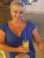 Anna from USA 52 y.o.