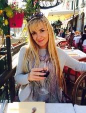 Amanda,<br> 45 y.o. from<br> USA